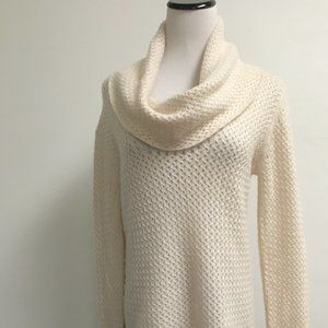 Chelsea & Theodore ivory cowl cashmere tunic L